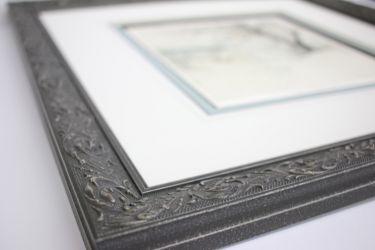 Unique mouldings for engravings